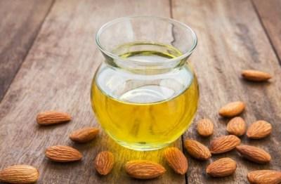 Sederet Manfaat Minyak Almond Untuk Kesehatan Dan Kecantikan  Sederet Manfaat Minyak Almond Untuk Kesehatan Dan Kecantikan