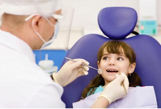 tumbuh tidak pada tempatnya dan lain lain yang sesungguhnya mampu dicegah dengan melaksanakan p Gigi Berlubang pada Anak