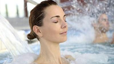 Manfaat dan efek samping mandi dengan air hangat  Manfaat dan Efek Samping Mandi dengan Air Hangat