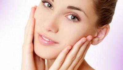 Cara alami menghaluskan kulit wajah dengan cepat  Cara Alami Menghaluskan Kulit Wajah dengan Cepat