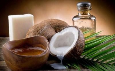 Manfaat luar biasa minyak kelapa untuk kecantikan kulit  Manfaat Luar Biasa Minyak Kelapa untuk Kecantikan Kulit