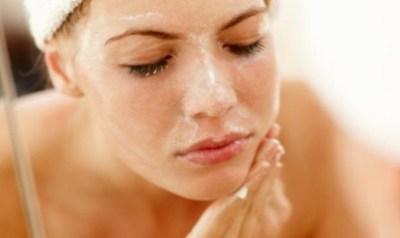 Scrub ialah salah satu campuran dari beberapa materi yang digunakan untuk perawatan kulit Manfaat Scrub dan Cara Membuatnya